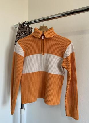 Тёплый оранжевый свитер passport