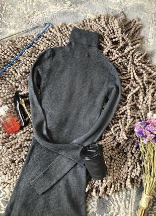 Базовое теплое серое платье гольф в рубчик от jane norman