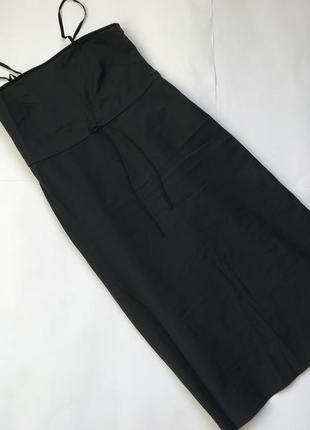 Платье из стрейчевого материла с интересной спинкой р.l-xl