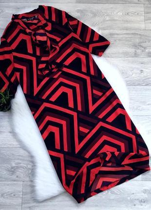 Платье с завязками в зоне декольте