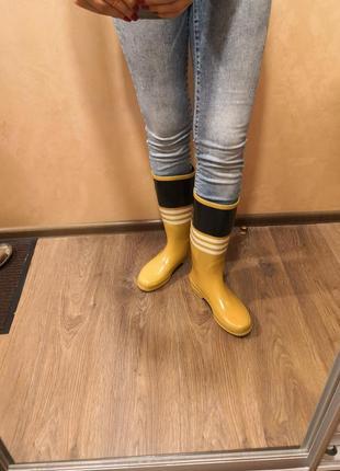 Жёлтые резиновые сапоги tommy hilfiger