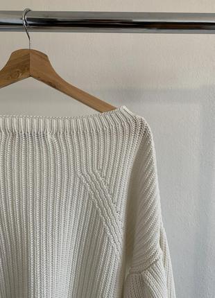 Белый свитер george с воланами на рукавах3 фото