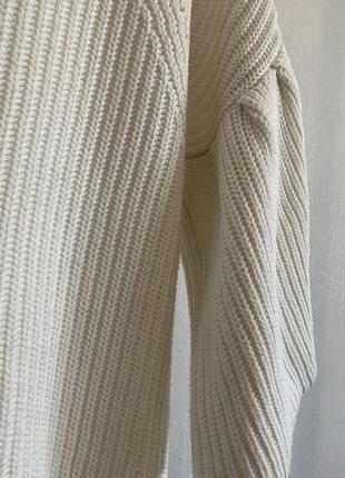 Белый свитер george с воланами на рукавах5 фото