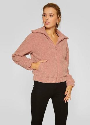 Трендовая куртка бомбер из искусственного меха розового цвета stradivarius