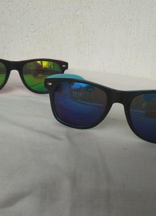 Солнцезащитние очки,подростковие.