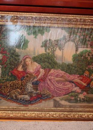 Картина бісером « дівчина в саду»