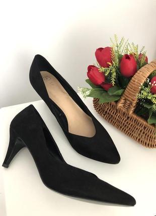 Шикарные туфли с красивым носиком f&f