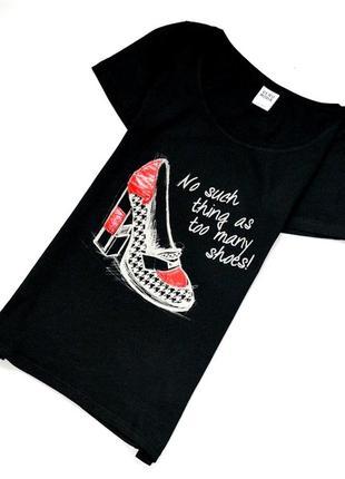 Стильная и оригинальная футболка с туфелькой
