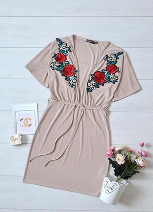Трендове плаття з вишивкою boohoo