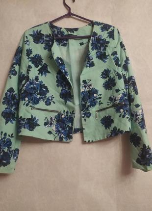 Яркий фактурный жакет,цветочный принт из натуральной ткани.
