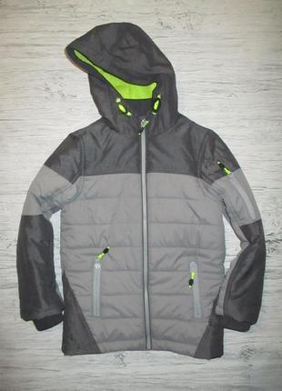 Клевая демисезонная курточка фирмы ту на 7-8 лет