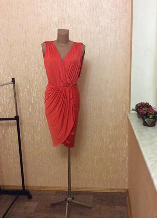 Сочное оранжевое платье на запах