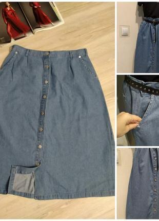 Джинсовая юбка трапеция на пуговицах спереди
