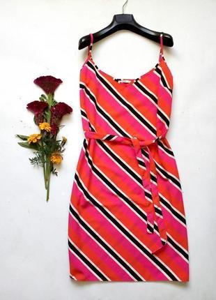 Яркое платье прямого кроя 12