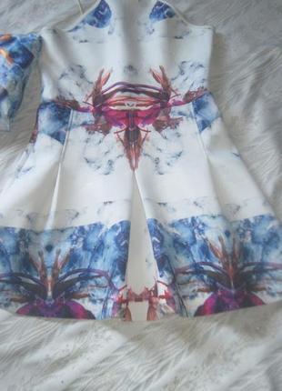 Акция на день! стильное платье с абстрактным принтов беби-долл missguided