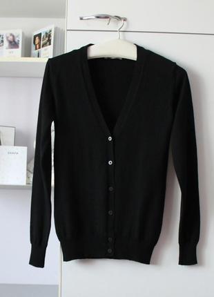 Черный базовый шерстяной кардиган от c&a