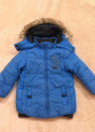 Классная курточка деми мехх на 1,5-2,5г