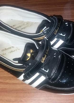 Легкие кроссовки adidas оригинал