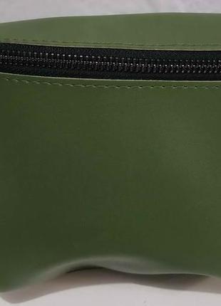 Сумка-бананка на одну молнию (зелёная) 20-01-065