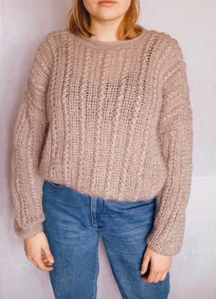 Симпатичный мохеровый свитер