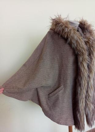 Теплое брендовое пончо с шерстью3 фото