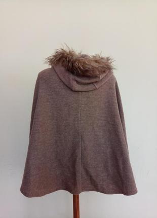 Теплое брендовое пончо с шерстью5 фото