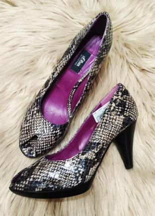 Туфли змеиный принт