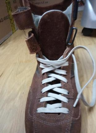 Спортивні замшеві черевики