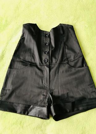 Классические шорты с высокой талией