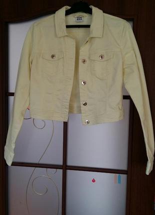 Крутая лимонная джинсовая куртка укороченный пиджак