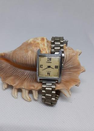 Часы слава ссср с металлическим браслетом, винтажные, в рабочем состоянии
