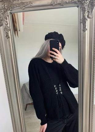 Актуальный черный свитерок корсет от primark