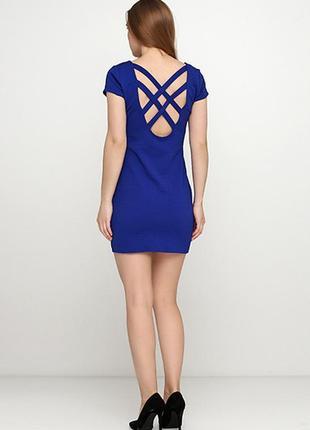 Оригинальное платье от бренда h&m разм. 38