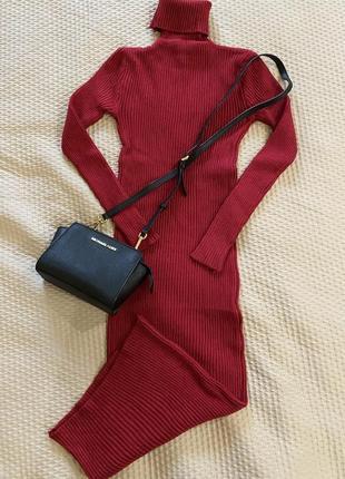 Теплое платье резинка с горловиной. разные цвета.