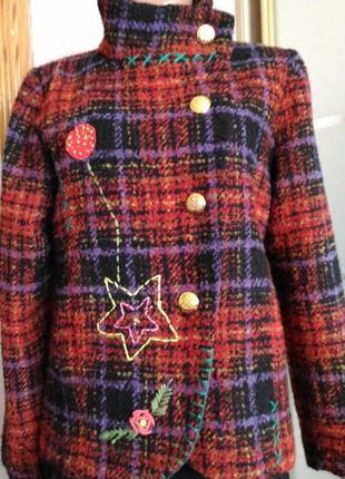 Шикарное полу пальто с вышивкой)) пог 52
