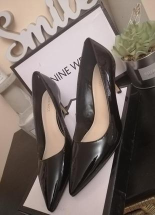 Классические туфли лодочки лакированные nine west