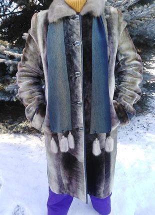 Шикарная мутоновая шуба с норковым воротником и шарфом. 48-50 р.
