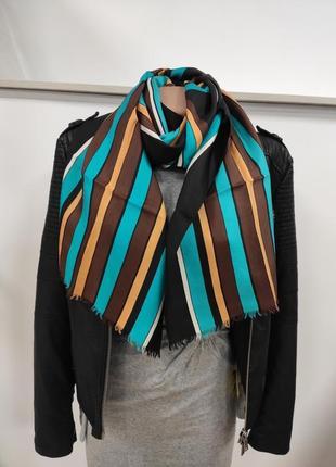 Очень красивый шёлковый шарф 100% шелк