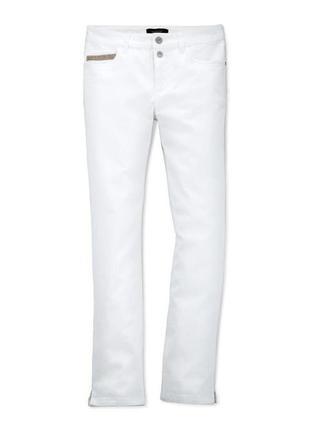Белые джинсы моделирующие фигуру со стразами tcm tchibo германия