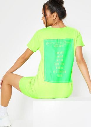 Prettylittlething. товар из англии. платье футболка с неоновыми надписями.