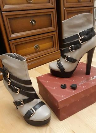 Ботильоны кожаные на каблуке big rope состояние новых