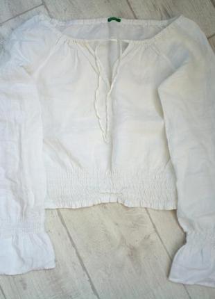 Красивый белый топ с широкими рукавами на резинке