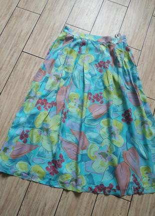 Красивая юбка миди свободного кроя