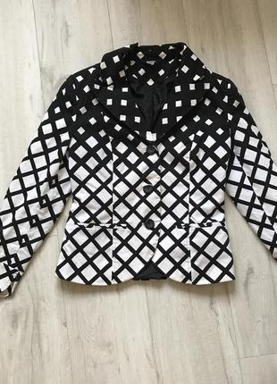 Стильный пиджак женский