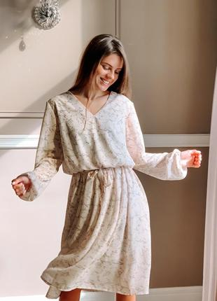 Нежное весенне платье