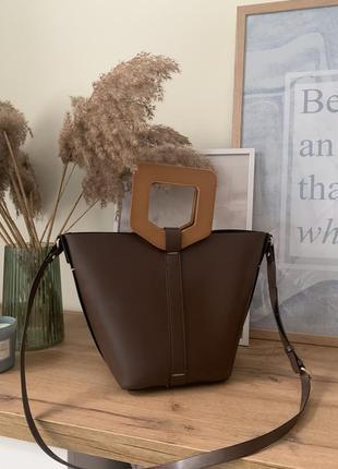 Трендовая сумка  zara с деревянными ручками