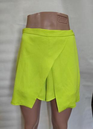 Яркая кислотная юбка- шорты