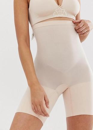 Утягивающие шорты от spanx