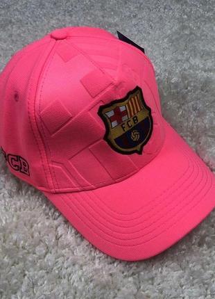 Футбольная кепка барселона, розовая.