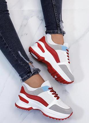 Новые шикарные женские белые кроссовки с красными вставками